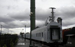 Mobile Abschussrampe auf der russischen Eisenbahnausstellung in St. Petersburg