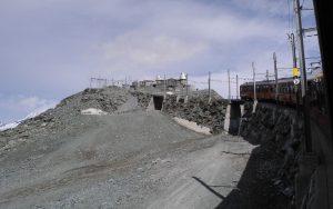 Gornergratbahn auf dem Weg zum Berggipfel