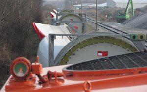 Güterzug-Transport von Windrad-Rotorblättern