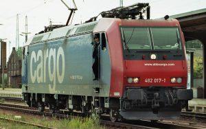 Lokführerin auf Lok der SBB Cargo.