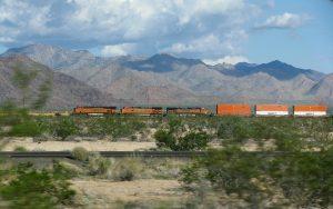 Westbound. Güterverkehr im tiefen Westen der USA Richtung Kalifornien.