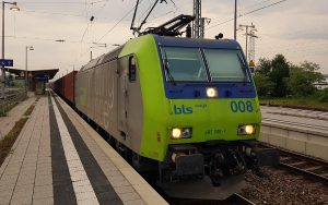 bls cargo 485008-7 am Bahnhof