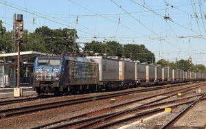 Vincent van Gogh Güterzug mit vielen Wagons
