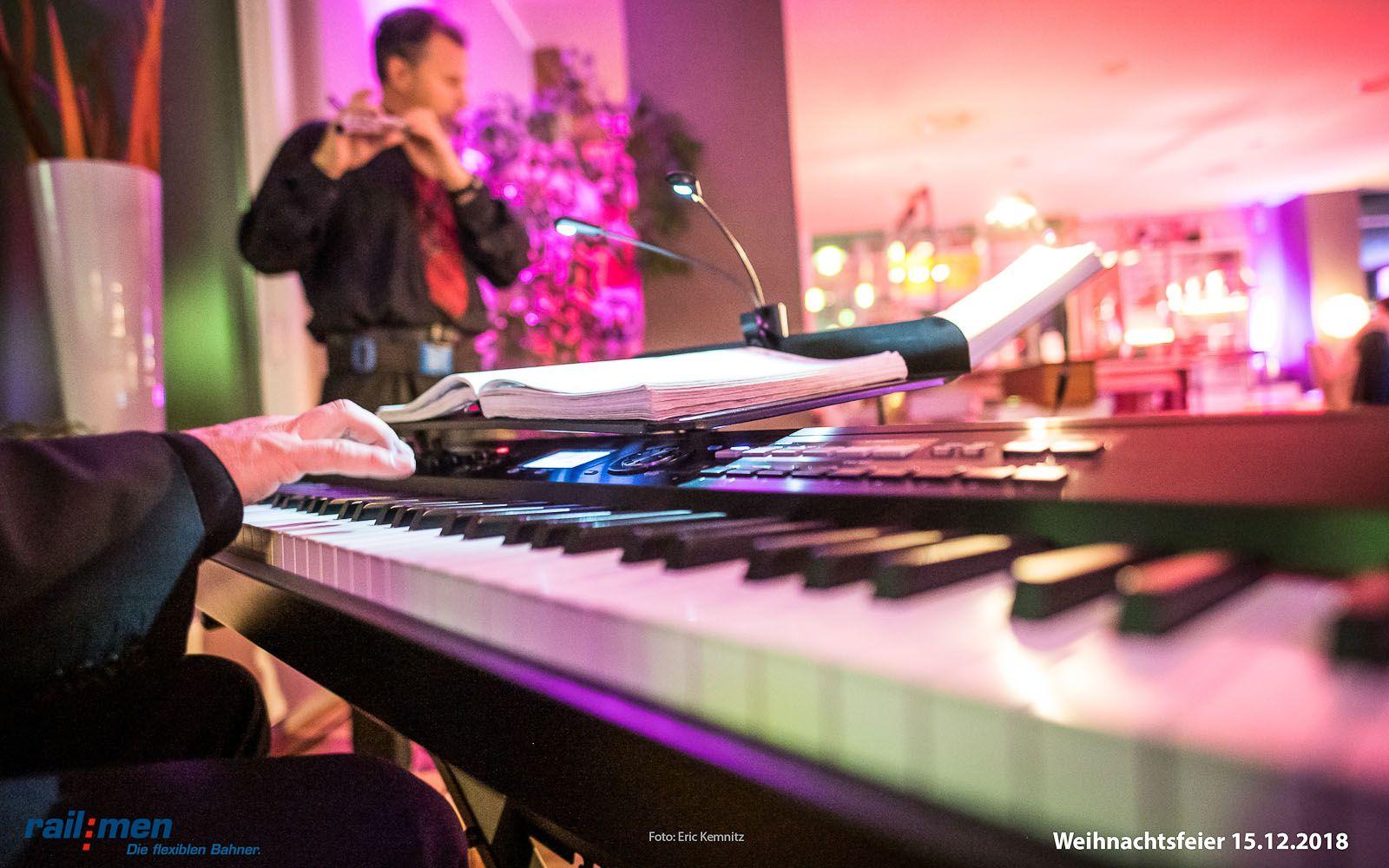 Musikalische Untermalung mit Piano und Flöte