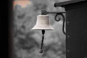 Nahaufnahme der Glocke von Lok 17 | Museumsbahn Maribo-Bandholm