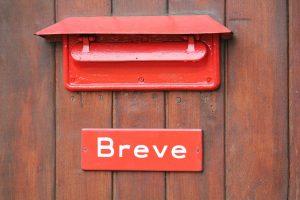 Briefkasten am Postwagen der Museumsbahn Maribo-Bandholm