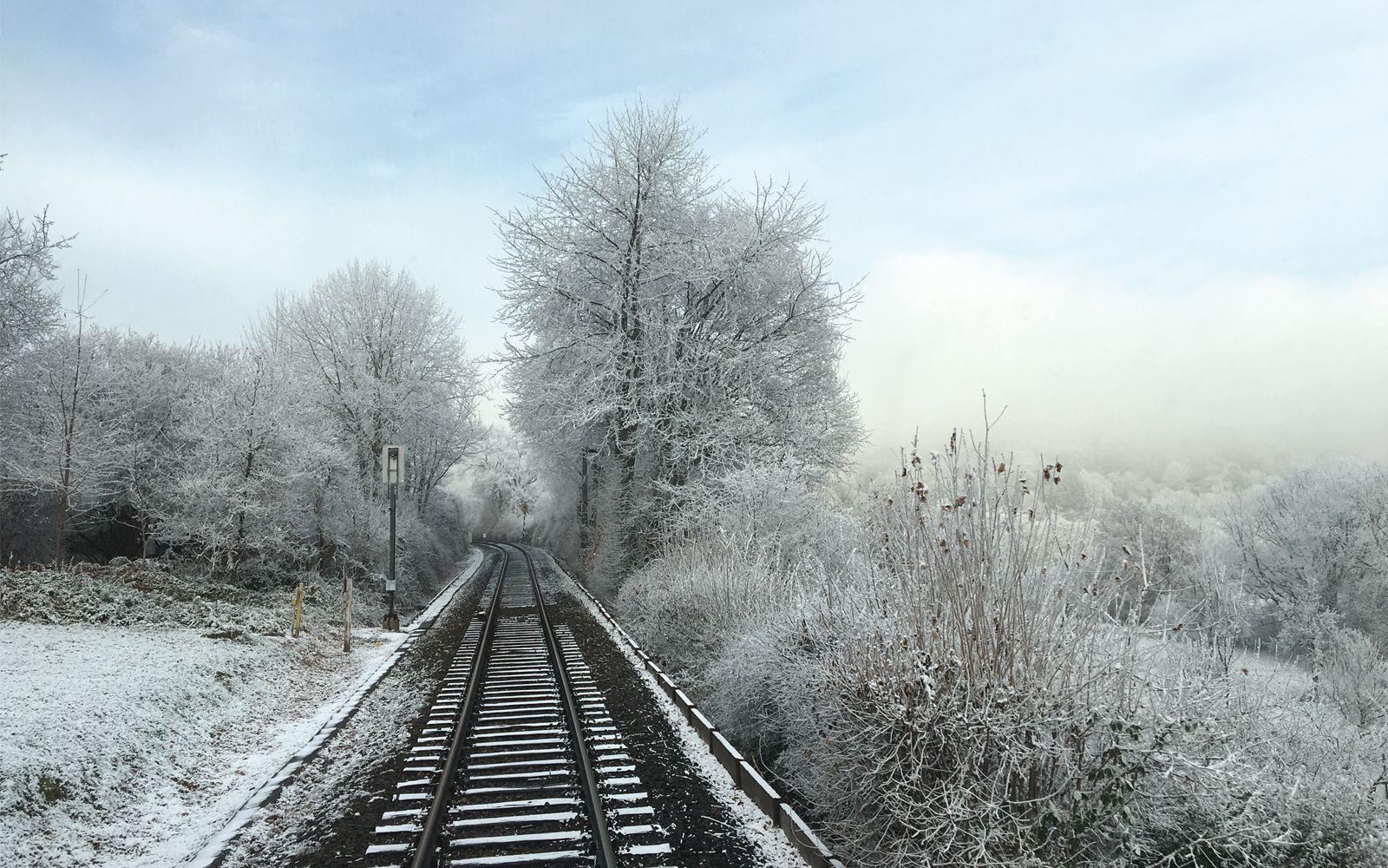 JANUAR-MOTIV 2019 | ©FOTO: RAILMEN-LOKFÜHRER JAN KREHL MALERISCHE WINTERLANDSCHAFT ZWISCHEN HORNAU UND KÖNIGSTEIN